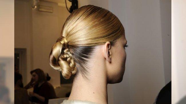 Ozdoba do włosów na pokazie Gucci