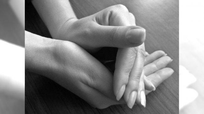 Damskie dłonie