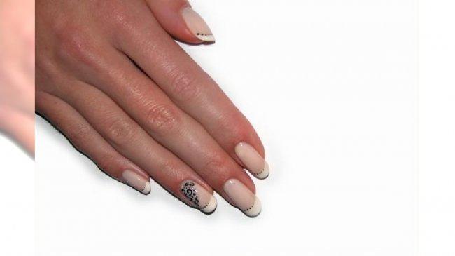 Ozdobny manicure