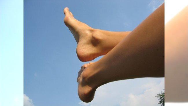 Jak radzić sobie z nadmierną potliwością stóp?