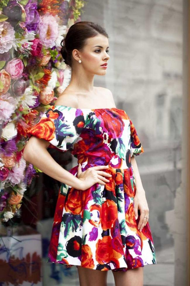 899799e1a0fb4b Jaka sukienka na wesele? – 5 modnych hitów!