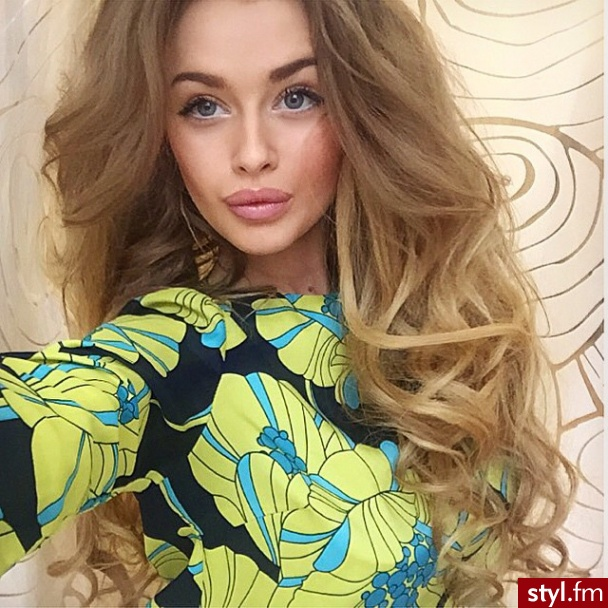 Blond Upięcie Kręcone Wieczorowe Długie Fryzury