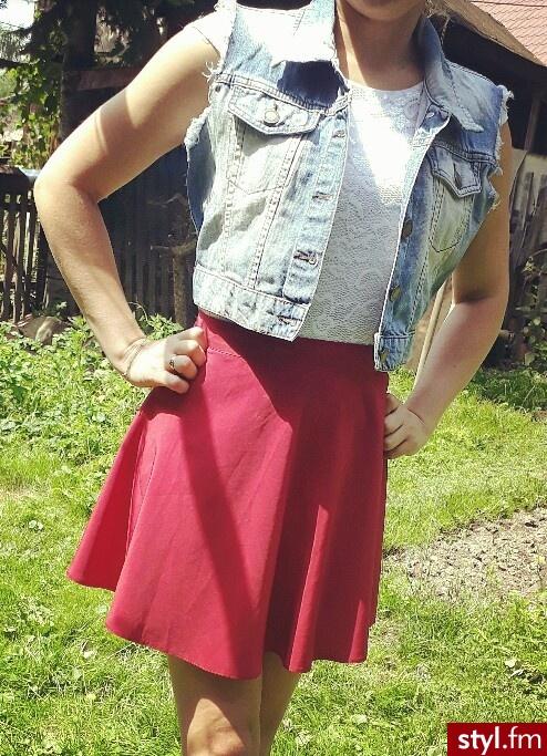 http://www.vinted.pl/damska-odziez/spodnice-krotkie/25155788-spodniczka-bordowa-wysoki-stan-lekko-rozkloszowana-s-mini - Krótkie Spódnice Moda