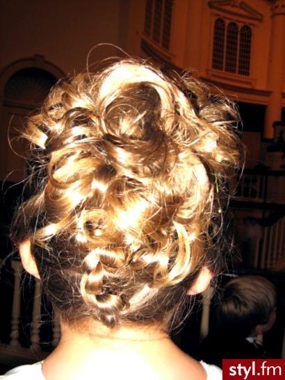modne fryzury damskie. modne fryzury damskie - Internetowy Katalog Fryzur IKF.com.pl, propozycje fryzur na każdą okazję np. wizaż fryzury - Średnie Fryzury