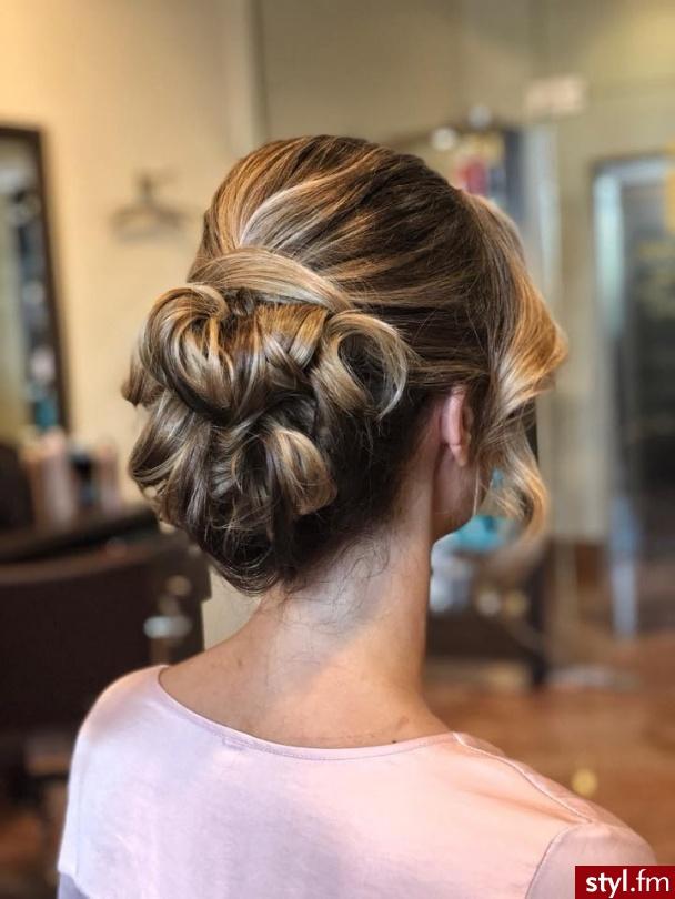 https://forhair.salon/ - Blond Upięcie Kręcone Ślubne Średnie Fryzury
