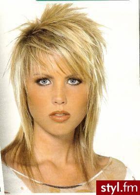 długie włosy fryzury. Fryzury - długie włosy. długie włosy fryzury - Internetowy Katalog Fryzur IKF.com.pl, propozycje fryzur na każdą okazję np. fryzury kobiece - Długie Fryzury