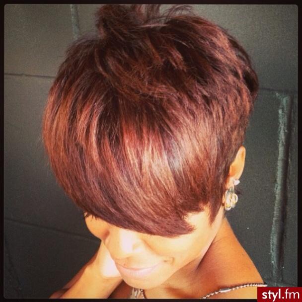 Fryzury Rude Włosy Fryzury Krótkie Na Co Dzień Proste Z Grzywką