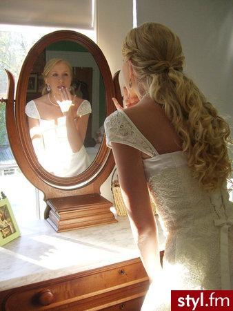 Ślubne Średnie Fryzury