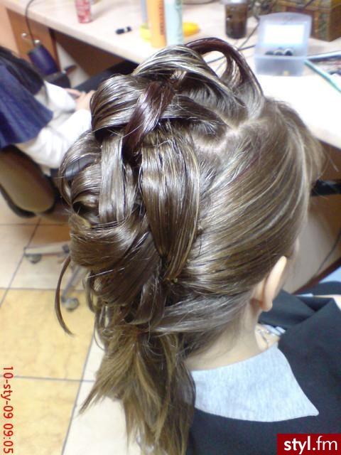 Fryzury Irokez Damski Włosy Fryzury średnie Na Co Dzień