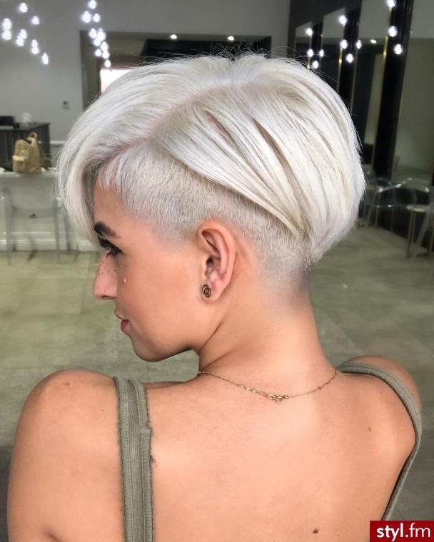 Blond Rozpuszczone Proste Na co dzień Krótkie Fryzury
