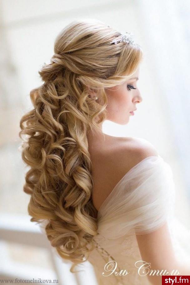 Fryzury Kręcone Włosy Fryzury Długie ślubne Kręcone