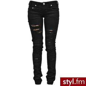 black ripped skinny jeans. Clipped by lauren<3 - Polyvore. Pobrano ze strony: http://www.polyvore.com/black_ripped_skinny_jeans_clipped/thing?id=2599962 - Pozostałe Ciuchy Moda