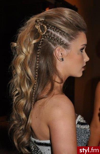 - Blond Warkocze Proste Wieczorowe Długie Fryzury