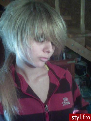 fryzura emo - Blond EMO Alternatywne Średnie Fryzury