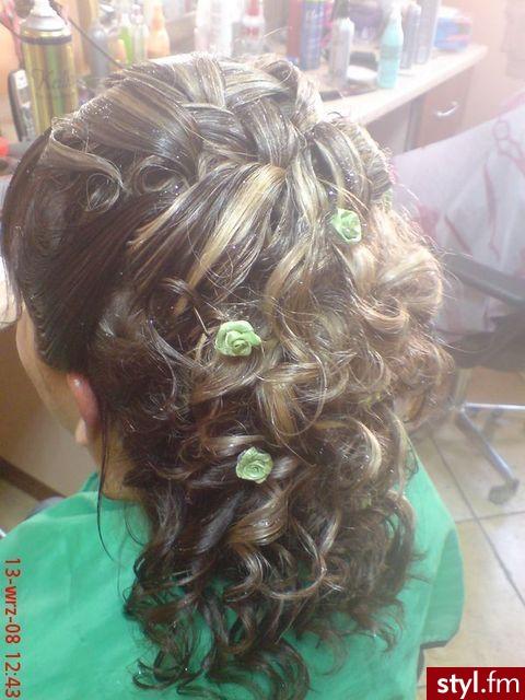 Fryzury Wieczorowe Włosy Fryzury średnie Wieczorowe Czakinka 54050