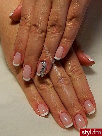 manicure hybrydowy  - Kwadratowe French Naturalne Paznokcie
