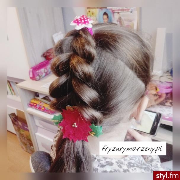 Swiateczna fryzura - Długie Fryzury
