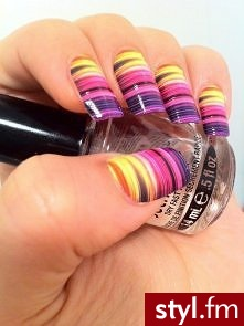 https://www.facebook.com/pages/Blondi-Nails/401325363307849 - Paznokcie