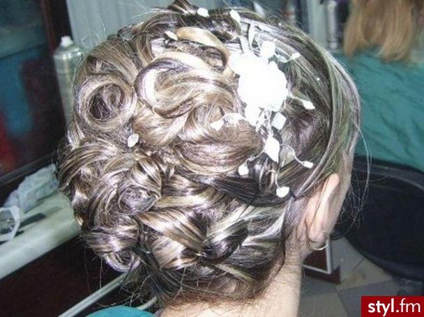 Fryzury ślubne Włosy Fryzury średnie ślubne Czakinka 67289