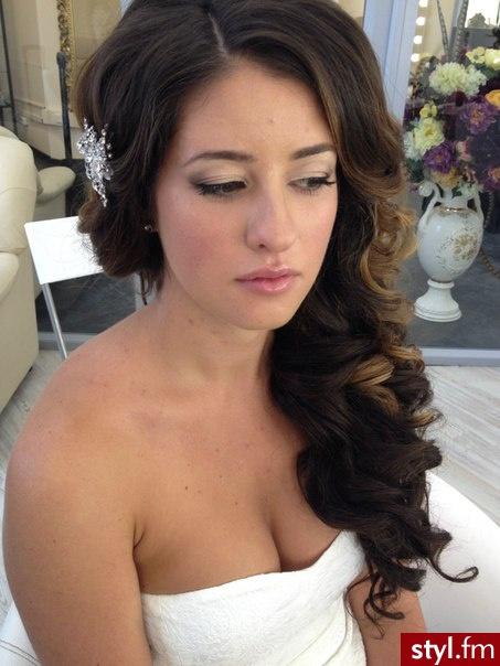 Brązowe Rozpuszczone Kręcone Ślubne Długie Fryzury