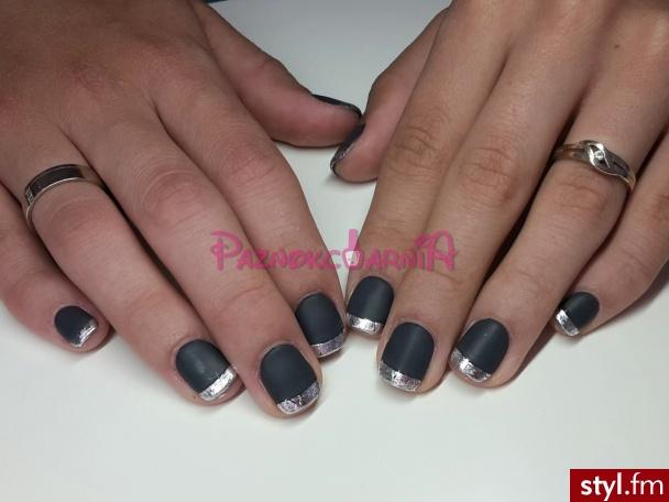 Manicure hybrydowy mat   folia transferowa - Kwadratowe Naturalne Paznokcie