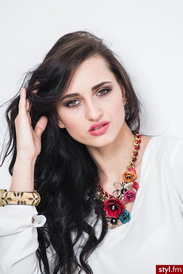 http://www.beautytrainingstudio.co.uk/Make-Up-Courses.htmlhttps://styl.fm/item/3245905# - Dzienne Makijaże