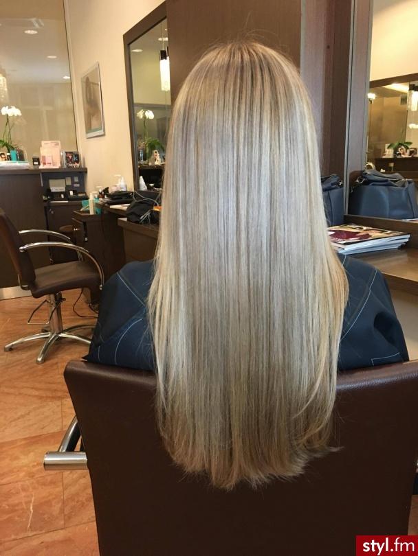 Koloryzacja wykonana przez Urszulę - Blond Rozpuszczone Proste Na co dzień Długie Fryzury