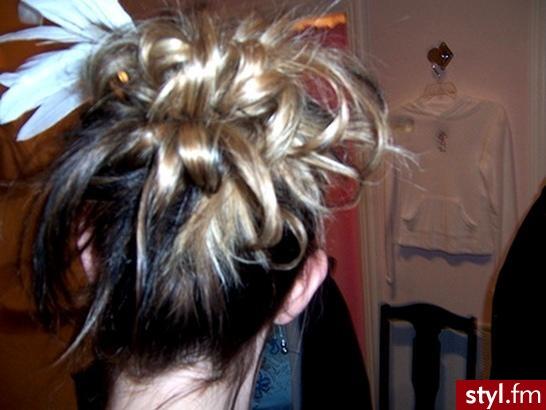 komputerowy dobór fryzury. komputerowy dobór fryzury - Internetowy Katalog Fryzur IKF.com.pl, propozycje fryzur na każdą okazję np. wizaż fryzury - Średnie Fryzury