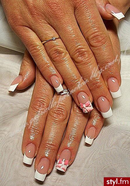 akryl na naturalnych paznokciach+ kokardy akrylowe - Kwadratowe French Akryl Paznokcie