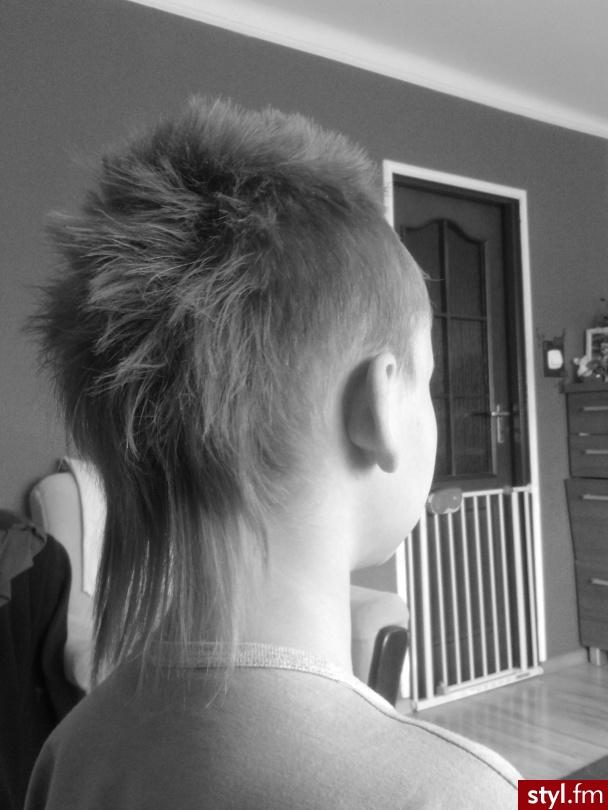Irokez młodzieżowy ;) - Blond Punk Rock Alternatywne Średnie Męskie Fryzury