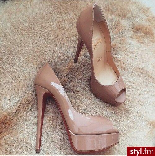 Inspiracje modowe: http://klaoudyna.tumblr.com/ - Czółenka Buty Moda