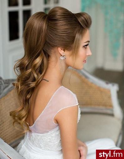 Ślubne Długie Fryzury