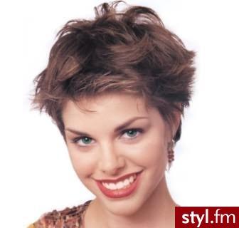 najmodniejsze krótkie fryzury. Fryzury - krótkie włosy. najmodniejsze krótkie fryzury - Internetowy Katalog Fryzur IKF.com.pl, propozycje fryzur na każdą okazję np. fryzury fryzjerskie - Krótkie Fryzury