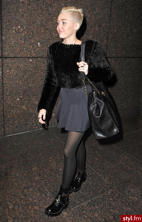 Miley Cyrus - Fryzury gwiazd Krótkie Fryzury