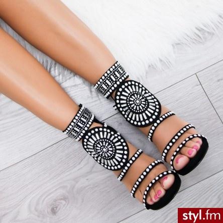 Zakochana..... - Sandały Buty Moda