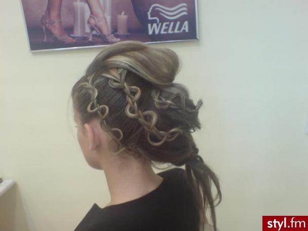Fryzury Wieczorowe Włosy Fryzury średnie Wieczorowe Asia790 35702