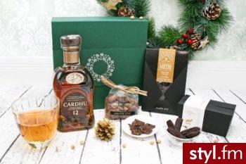 Eleganckie zestawy prezentowe z alkoholem https://experiago.pl/zestawy-prezentowe-kosze-podarunkowe/ - Misz-masz