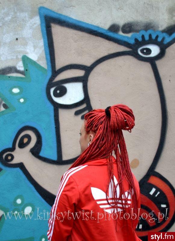 Czerwone Dredy Alternatywne Długie Fryzury