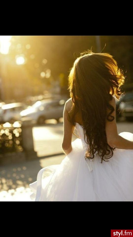 B - Brązowe Rozpuszczone Kręcone Ślubne Długie Fryzury