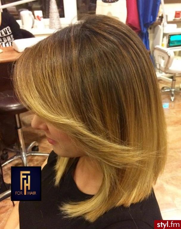 Sombre z Olaplex http://forhairsobieski.pl/ - Blond Rozpuszczone Proste z grzywką Na co dzień Średnie Fryzury