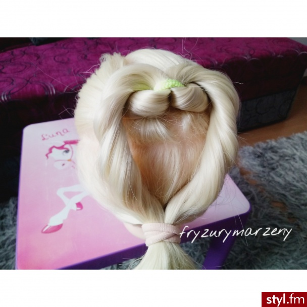 Serce z włosów - Na co dzień Długie Fryzury