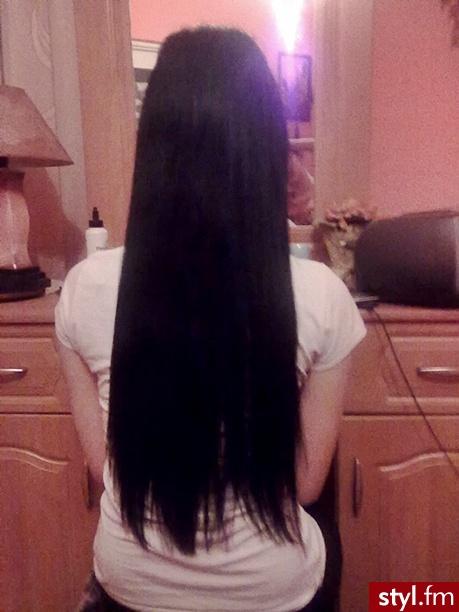 Włosy mojej kuzynki :) nie są ani doczepy ani sztuczne :P - Czarne Rozpuszczone Proste Na co dzień Długie Fryzury
