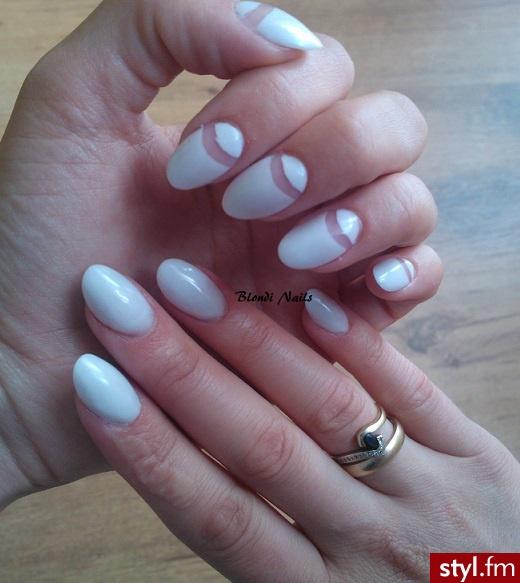 Blondi Nails - Migdałki Akryl Paznokcie