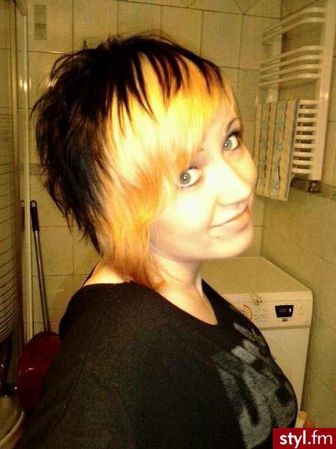 ;p - EMO Alternatywne Średnie Fryzury