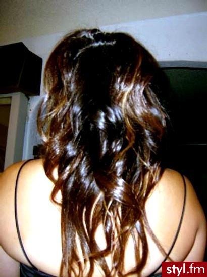 modne fryzury 2007. modne fryzury 2007 - Internetowy Katalog Fryzur IKF.com.pl, propozycje fryzur na każdą okazję np. uroda fryzury - Średnie Fryzury