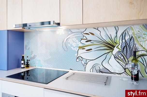 Kwiatowa tapeta w kuchni  - Wnętrza