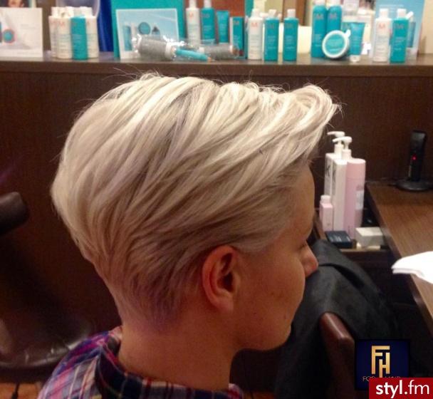 Fryzury Blond Włosy Fryzury Krótkie Na Co Dzień Proste Rozpuszczone