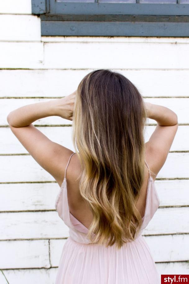 http://ktosiek.pl/jak-rozjasnic-wlosy-domu/ - Blond Rozpuszczone Kręcone Na co dzień Długie Fryzury