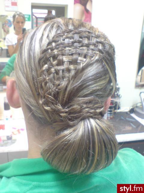 Fryzury Wieczorowe Włosy Fryzury średnie Wieczorowe Asia790 35713