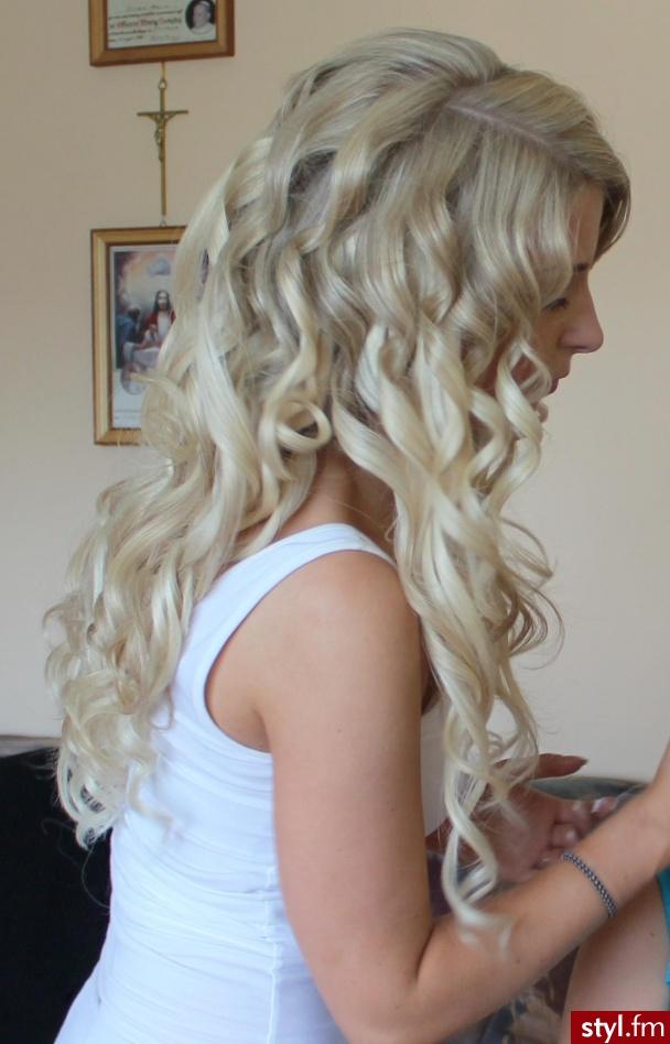 Fryzury Blond Włosy Fryzury Długie Wieczorowe Kręcone Rozpuszczone